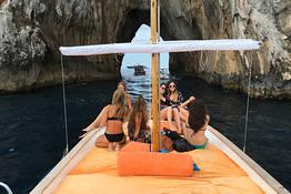 Capri Island Tour - Tradicional Tour de Gozzo ao redor da Ilha por 2, 3 ou
