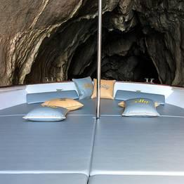Capri tour via mare con motolancia Milano-Aprea (10mt)