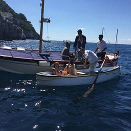 Private Tour of Capri by Gozzo (2-3 hrs) + swim stop