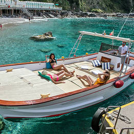 Bagni Tiberio Boats - The Classic Boat Tour of Capri (2h)