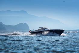 Pegaso Capri Boat Transfers - De Salerno para Capri (ida ou volta) em lancha de luxo