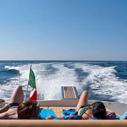 De Salerno para Capri (ida ou volta) em lancha de luxo