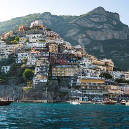 Tour con super-gozzo dalla Costiera Amalfitana a Capri