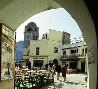 Come godersi la piazzetta di Capri Hotel