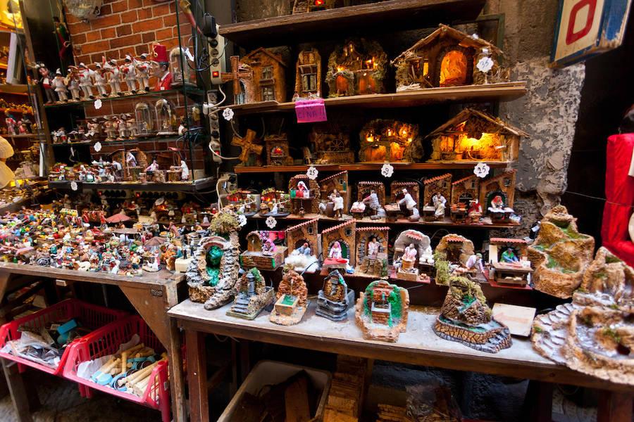 Top Ten Souvenirs from Naples