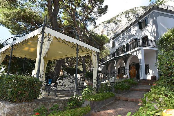 Villa Pierina