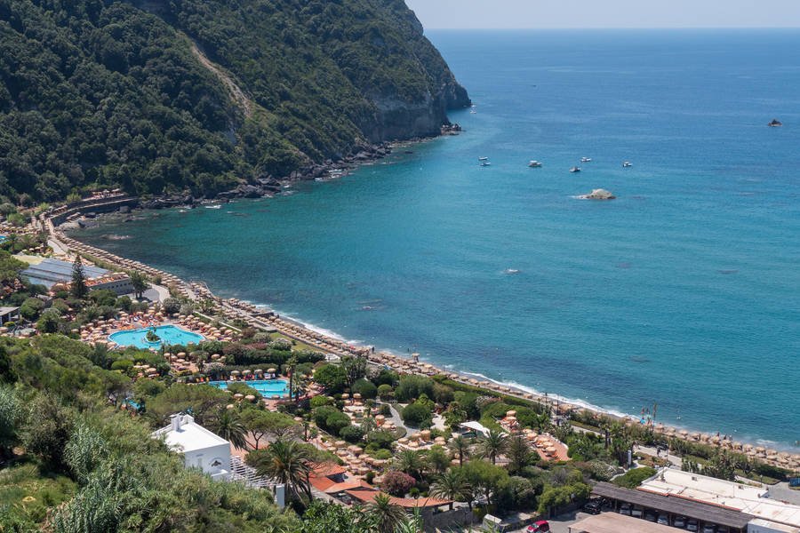 Ischia or Amalfi Coast? How to make the right decision!