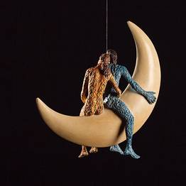Cavalcando la luna sospesa
