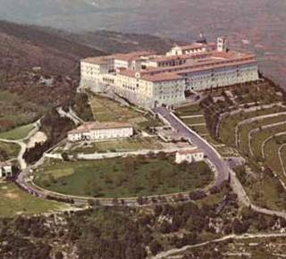 The Abbey of Montecassino Bulwark of Peace. Hotel