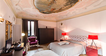 Corte di Gabriela Venezia Scuola Grande di San rocco hotels