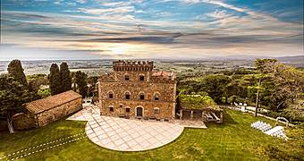 Castello di Segalari Castagneto Carducci Pisa hotels
