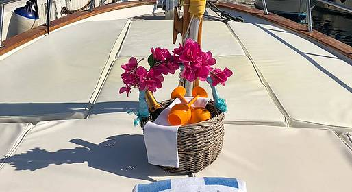 Gianni's Boat - 3 hour boat tour by comfortable supergozzo