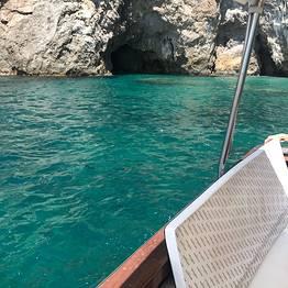 Plaghia Charter - Costiera Amalfitana, giornata in barca - Aprea 7,50