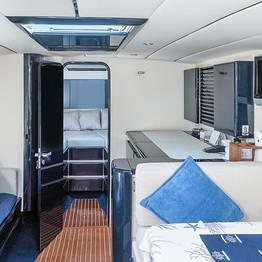 Priore Capri Boats Excursions - Transfer deluxe: Sorrento - Napoli o Ischia (viceversa)