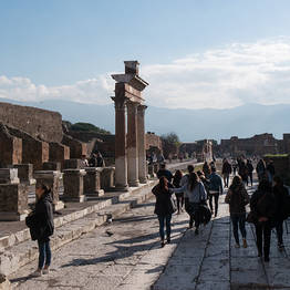 Goldentours - Tour of Pompeii and Vesuvius