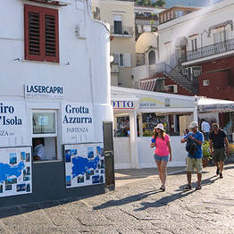 Laser Capri - Boat Tour of the Island with the Faraglioni