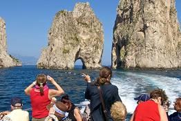 Giro dell'isola di Capri (via Faraglioni)