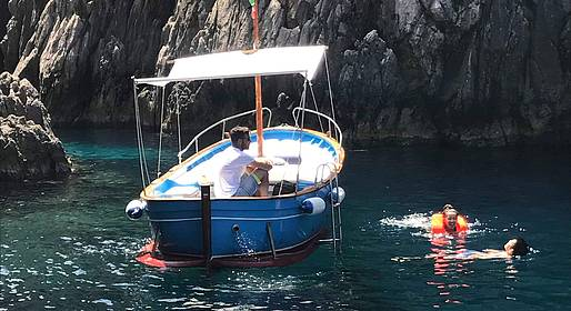 Vincenzo Capri Boats - Capri boat tour half day or full day with private boat