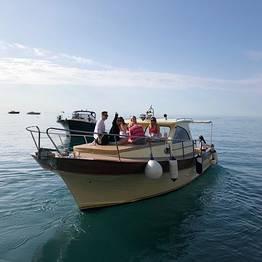 Grassi Junior Boats - Tour di gruppo su tipico gozzo da Positano