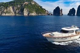 Tour in barca luxury a Capri con Aprea 56