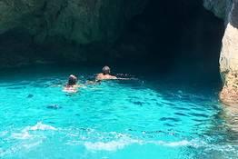 Capri, giro dell'isola in barca: tour privato