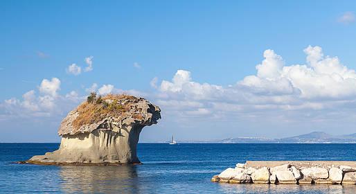 Capri Boat Experience - Ischia: tour in barca con marinaio, partenza da Napoli
