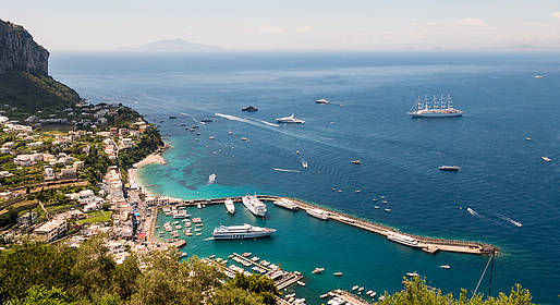 Capri Boat Experience - Luxury tour in barca di Capri con skipper e hostess