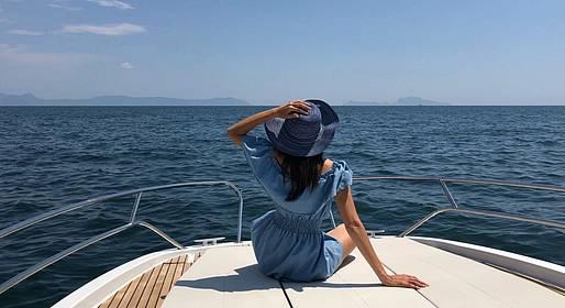 CF Rent - Tour in barca da Amalfi a Capri con aperitivo
