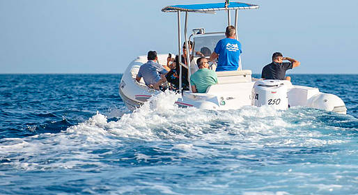 Capri Whales - Capri Rubber Dinghy Rental (250 hp, license required)