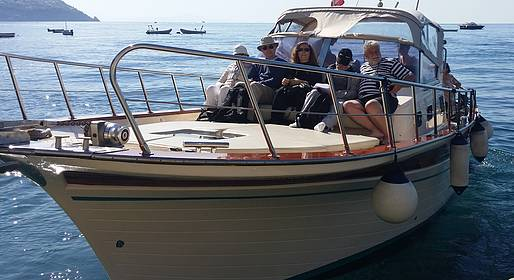 Plaghia Charter - Seasickness? No Problem with This Private Boat to Capri