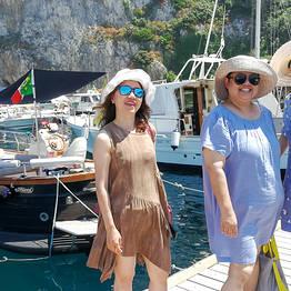 Capri Summer Tour - Capri: boat tour privato mezza giornata/giornata intera