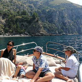 Capri Summer Tour - Boat Tour of the Amalfi Coast from Capri