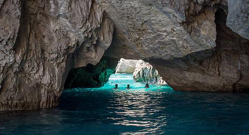 Magia Boats - Tour in barca privata a Capri (giornata intera)