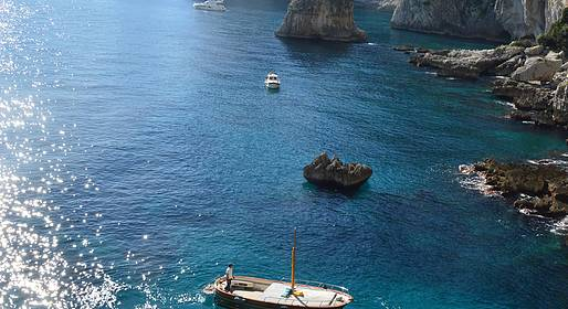 Gianni's Boat - THE DIVINE: 2.15hour tour of Capri