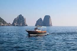 Capri, tour privato in barca dalla Costiera