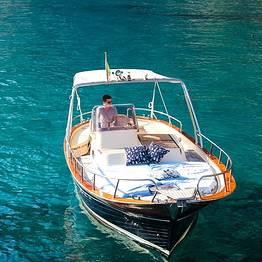 Capri Blue Boats - Passeio em gozzo saindo de Marina Piccola