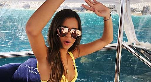 """Capri Relax Boats - Full Day around Capri by """"Itama 38"""" (12 m speedboat)"""