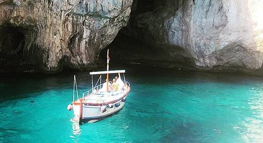 Gianni's Boat - Mind-Blowing Capri Tour with Prosecco!