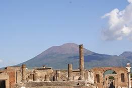 Tour con driver a Pompei, Ercolano + Oplonti o Vesuvio