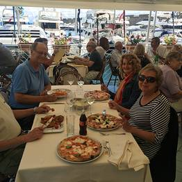 Top Excursion Sorrento - Transfer from Naples to Sorrento + City Tour & Pizza