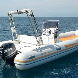 Capri Boat Service - Full-Day, 40 HP Dinghy Rental on Capri