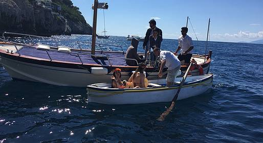 Capri Boat Service - Capri Boat Tour via Gozzo with a Swim