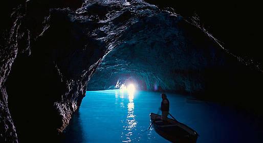 Bagni di Tiberio - Classic Boat Tour of Capri