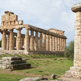 Joe Banana Limos - Tour & Transfer - Paestum e Mozzarella Tour