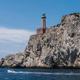 Noleggiare un gommone a Capri