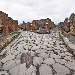 Day trips to Pompeii, Herculaneum, and Mount Vesuvius