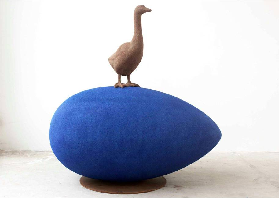 Uovo blu con oca