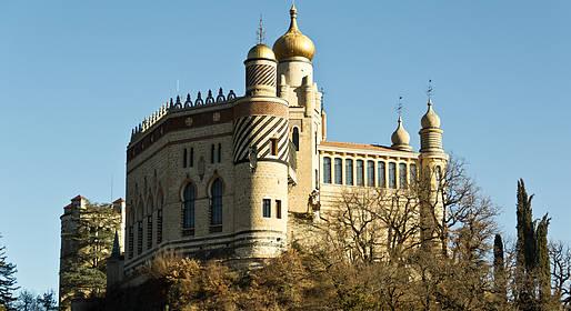 Rocchetta Mattei: follie architettoniche del castello più bizzarro d'Italia