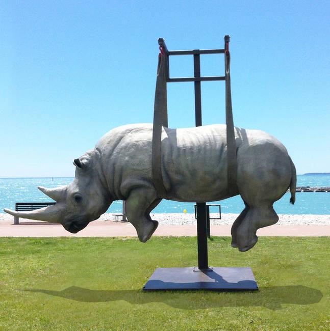 Il peso del tempo sospeso/Rinoceronte Monumentale