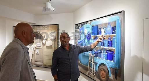 """Positano inaugurata la mostra di Paolo Quaresima """"Le mie opere fatte di oggetti che raccontano storie"""""""